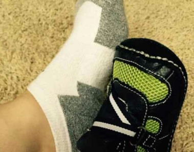 Only Women With Small Feet Can Relate To These 15 Things