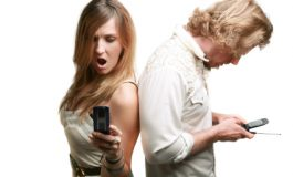 10 Reasons Why You Should not Text-Fight With Your Partner
