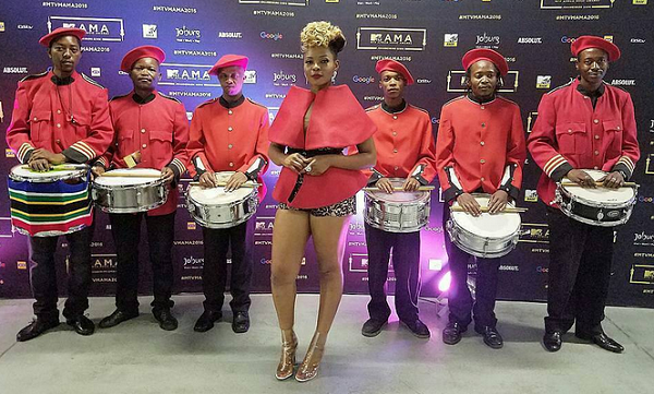 5 Stunning Outfits Yemi Alade Rocked At MAMA 2016