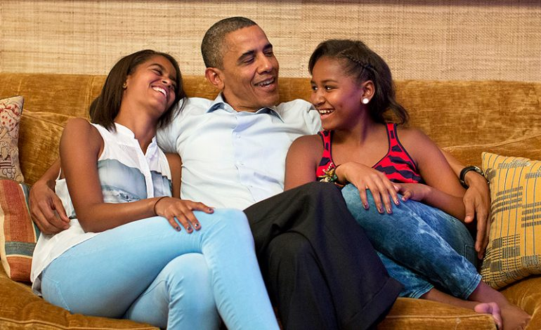 Wanna See how the Obamas Live? Architectural Digest takes us into the Uber Stylish Private Areas of the White House